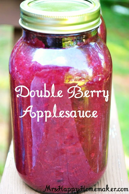double berry applesauce in a mason jar