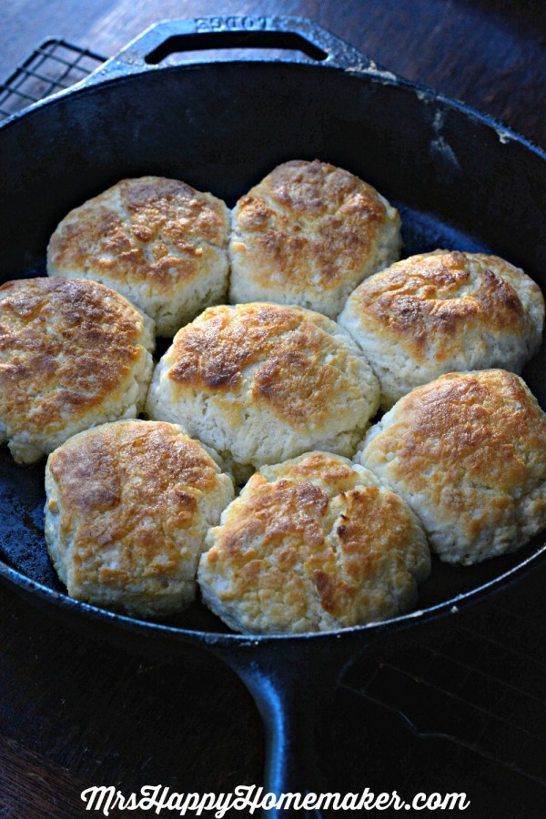 I can't do a breakfast/brunch post without my Mama's Buttermilk Biscuits. They are seriously the best recipe on my entire blog. I've never had a better biscuit & that's a fact.| MrsHappyHomemaker.com #buttermilkbiscuits #biscuits #bestever #southernfood #castironcooking