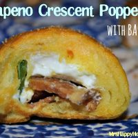 Jalapeno & Bacon Crescent Poppers, SO EASY & SO GOOD!! | MrsHappyHomemaker.com @mrshappyhomemaker
