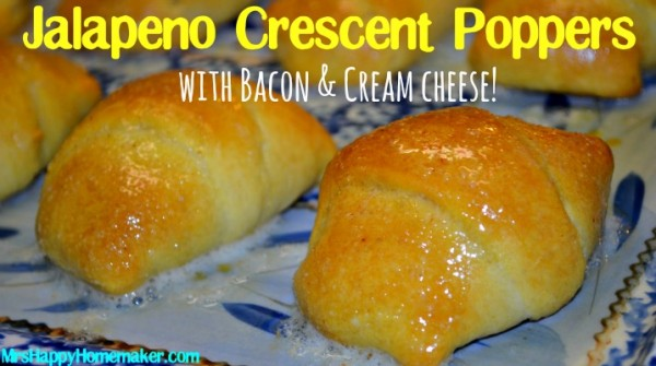 Jalapeno & Bacon Crescent Poppers, SO EASY & SO GOOD!! | MrsHappyHomemaker.com @thathousewife