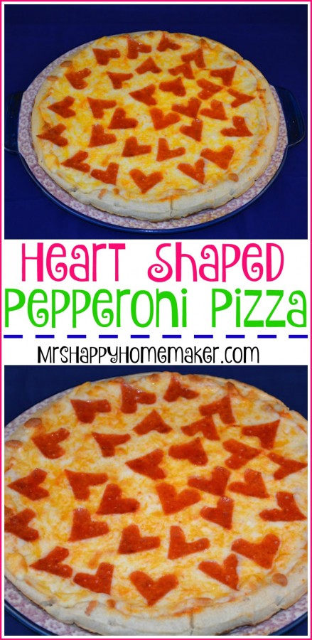 Super Easy Heart Shaped Pepperoni Pizza | MrsHappyHomemaker.com @thathousewife