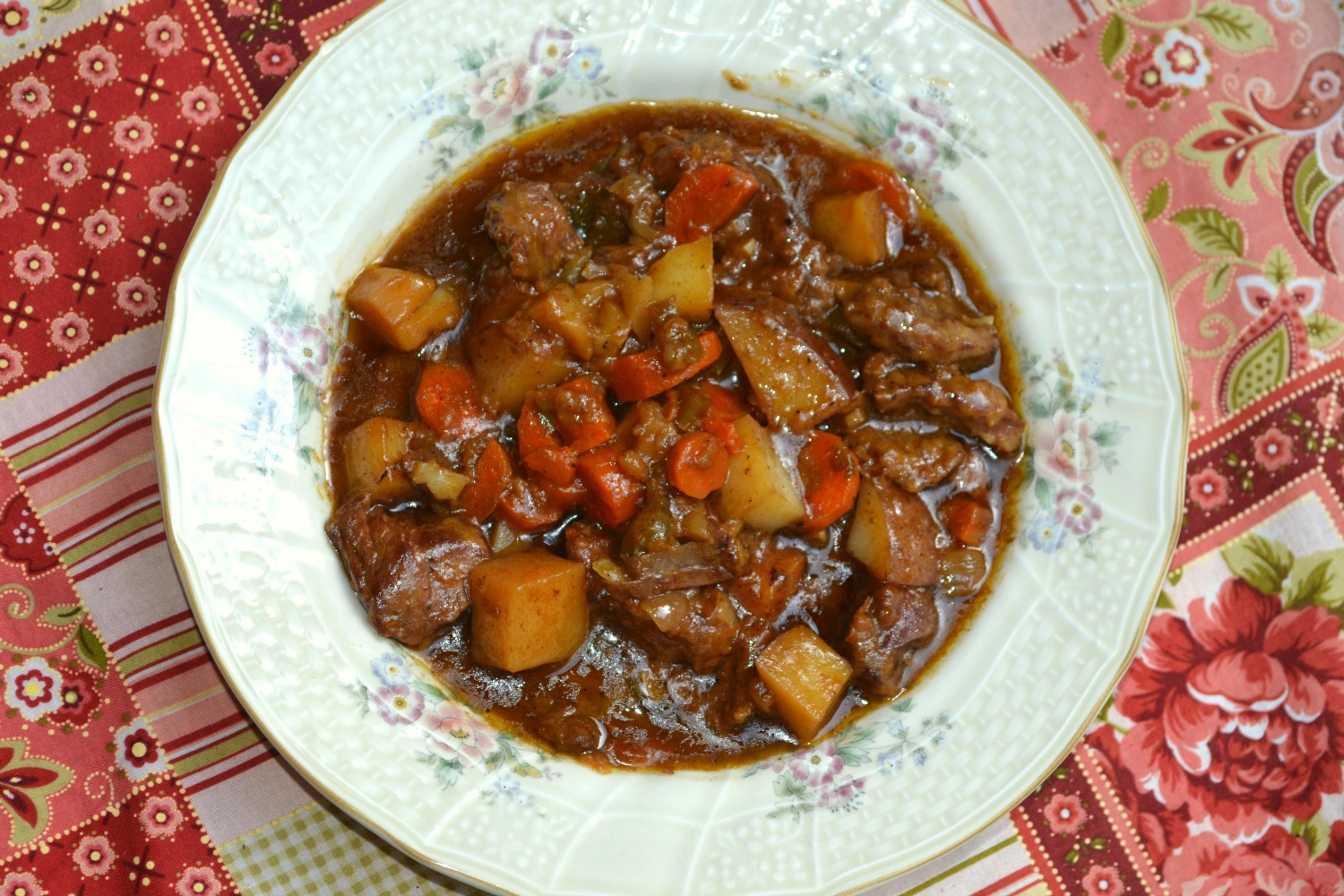 how to slow cook beef stew on the stove