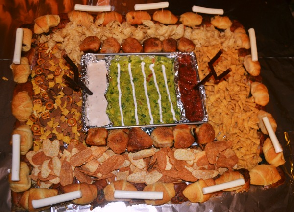 It's a Snackadium! {with Pillsbury)