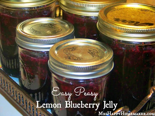 Easy Lemon Blueberry Jelly - only 3 ingredients and NO pectin!!  It uses Jello!!