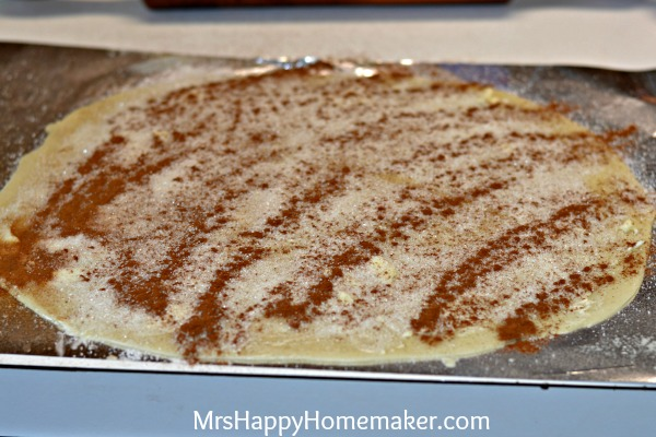 Apple Cream Pie with a Cinnamon Roll Crust - best apple pie EVER!