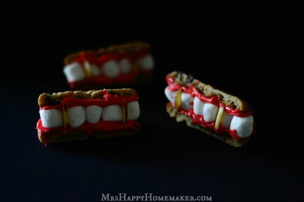 Easy Dracula Teeth