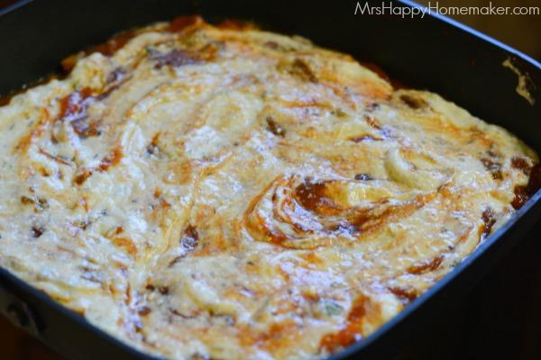 Skillet Lasagna | MrsHappyHomemaker.com