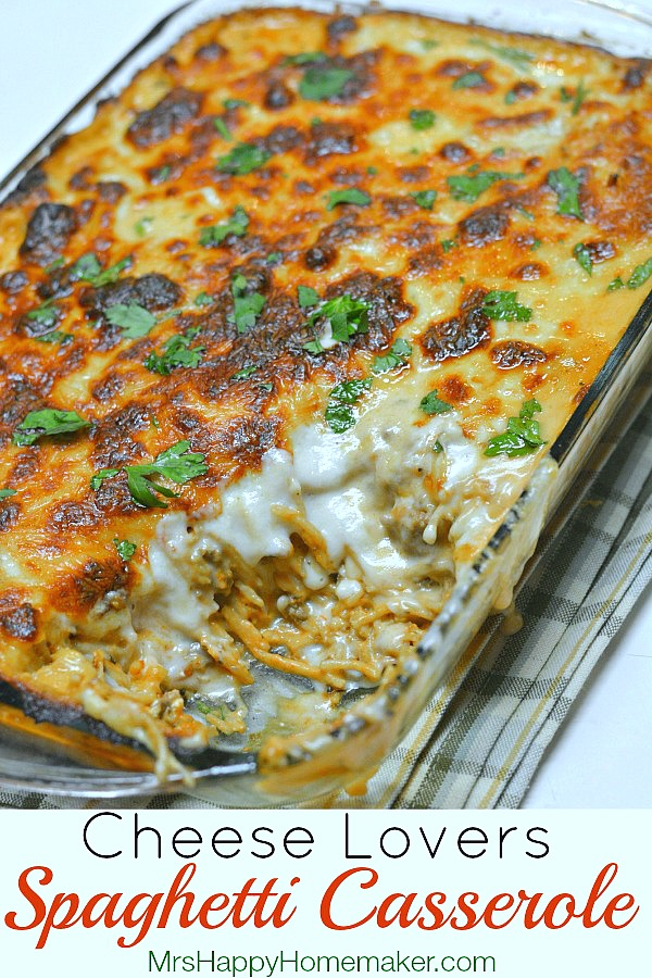 Cheese Lover's Spaghetti Casserole | MrsHappyHomemaker.com @MrsHappyHomemaker