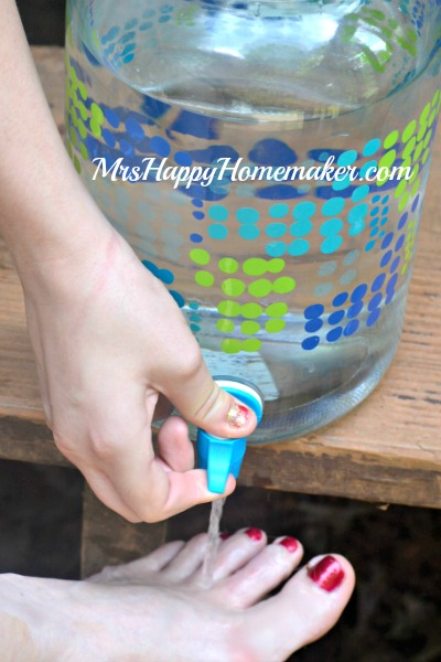 Beverage Container to rinse sand off your feet at the beach