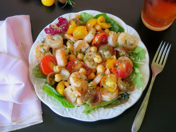 Shrimp Tomato and Chickpea Salad