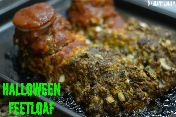 Halloween Feetloaf - as in a delicious meatloaf crafted to look like a pair of feet. Perfect creepy dinner for Halloween! | MrsHappyHomemaker.com @thathousewife
