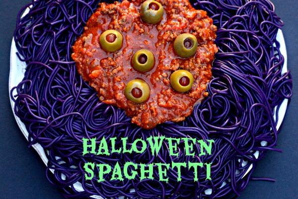 Halloween Spaghetti | MrsHappyHomemaker.com @thathousewife