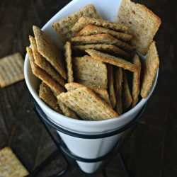 Easy Trisket Party Crackers