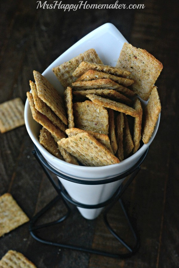 EASY PARTY CRACKERS - ONLY 4 INGREDIENTS!!