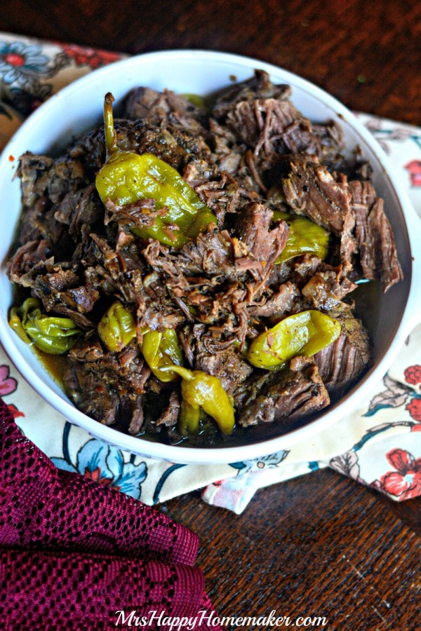 Pepperoncini Beef in the Crockpot - Only 4 ingredients & it's SO good!! | MrsHappyHomemaker.com @thathousewife