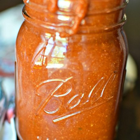 Homemade Taco Sauce - so easy and better tasting than anything you can buy in the store. Cheaper too!! | MrsHappyHomemaker.com @mrshappyhomemaker
