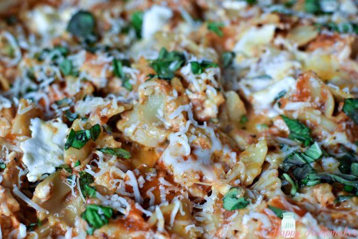 Skillet Chicken Lasagna | MrsHappyHomemaker.com