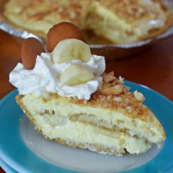 No-Bake Banana Pudding Cheesecake slice | MrsHappyHomemaker.com