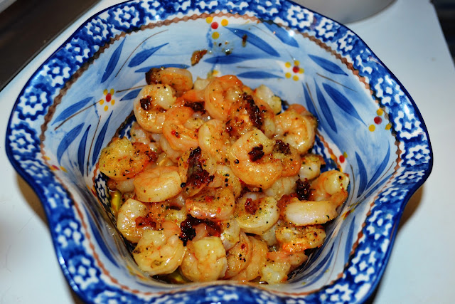 Shrimp Scampi in a blue ruffled bowl